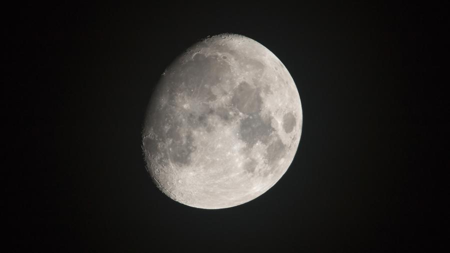 three quarter moon review